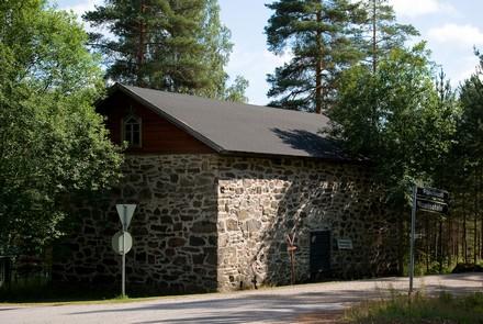 Anttolan vanha viljamakasiini, kuva Kari Valjakka